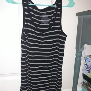 Faded Glory 2X Black and White Striped Tank Top